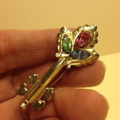 Vintage Signed BARCLAY Rhinestone SKELETON KEY BROOCH Pin Gold Tone Jewelry #Barclay