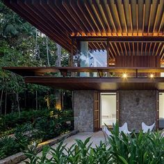 SM House | Sítio Taguaíba, Guarujá -SP Jacobsen Arquitetura Photo Leonardo…