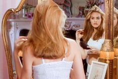 Alicia Silverstone, star of the cult classic Clueless, just revealed she hated her character Cher Horowitz and we are truly appalled. Cher Horowitz, Clueless Aesthetic, Aesthetic Vintage, Aesthetic Hair, Film Aesthetic, Hippie Look, Girls Secrets, Girls Showing Off, Vintage Outfits