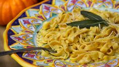 I'll definitely be trying this pumpkin-sage fettuccine recipe (modified to be lactose-free of course)!