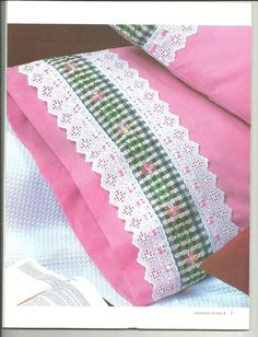 ✿✿Mila Artes Manuales✿✿: BORDADO ESPAÑOL PARTE DOS Sewing Hacks, Sewing Crafts, Sewing Projects, Sewing Pillows, Diy Pillows, Embroidery Stitches, Hand Embroidery, Bed Cover Design, Chicken Scratch Embroidery