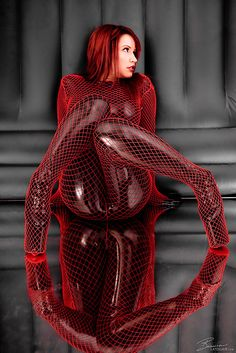 Risque Net Reflections #red, #design, https://facebook.com/apps/application.php?id=106186096099420