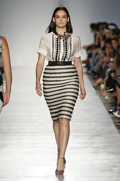 mixing patterns. one day i'll be brave enough to try it! (spring/summer 2012 plus size collection by elena miro)