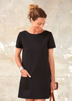 petite robe noire Casual Chic, Casual Wear, Casual Dresses, Casual Outfits, Fashion Dresses, Short Sleeve Dresses, Summer Dresses, Simple Long Dress, Mode Style