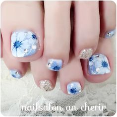 What Christmas manicure to choose for a festive mood - My Nails Pedicure Nail Art, Pedicure Designs, Toe Nail Designs, Korea Nail Art, Feet Nail Design, Funky Nail Art, Cute Toe Nails, Feet Nails, Luxury Nails