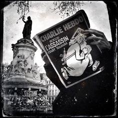 """""""Tout au long de la semaine Matthieu Rondel photographe distribué par Hans Lucas prend les commandes de notre compte instagram. 6 journées pour suivre les commémorations un an après les attentats de Charlie Hebdo Montrouge et lHyper Cacher. Suivez-le sur notre compte @polkamagazine."""" #CharlieHebdo #HansLucas #7janvier 2015 #attentats #1anapres #11janvier2015 #Polka #HyperCacher #RichardLenoir #EspritCharlie #JesuisCharlie @studiohanslucas @matthieurondel by polkamagazine"""