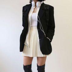 Kpop Fashion Outfits, Edgy Outfits, Korean Outfits, Cute Casual Outfits, Asian Fashion, Girl Fashion, Womens Fashion, Fashion Design, Aesthetic Fashion