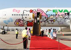 Hello Kitty airplane - If everything were like this the world would probably be a better place.