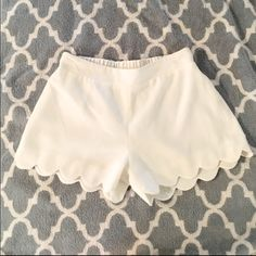Scalloped white dress shorts Adorable scalloped white dress shorts by the brand Necessary Clothing NEVER WORN, in perfect condition Size S Bundle for savings! Necessary Clothing Shorts Short Outfits, Short Dresses, Fashion Tips, Fashion Design, Fashion Trends, White Shorts, White Dress, Clothing, Collection