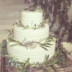 *synergy* ウェディングケーキは 生ケーキにユーカリやオリーブの葉を ナチュラルにのせてシンプルに♡ #TRUNKBYSHOTOGALLERY #wedding #weddingcake #weddingphoto #weddingbouquet #weddingtbt #結婚式 #結婚式場 #披露宴 #披露宴会場 #ケーキ #ウェディングケーキ #オリーブ #ユーカリ #ウェディング #ウェディングドレス #ウェディングプランナー #ウェディングブーケ #フラワー #花 #結婚式準備 #打ち合わせ #プレ花嫁 #卒花 #ゼクシィ #takeandgiveneeds #テイクアンドギヴニーズ