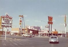 Las Vegas, 1976, in the Silver Slipper parking, looking across the Strip towards Gold Key Motel, Village Inn, and The Flame. Photo via Classiclasvegas