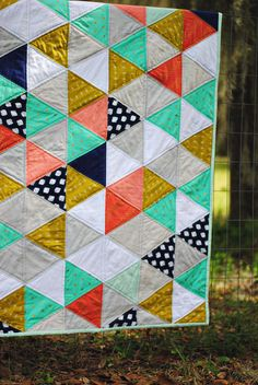 Dandelion Drift Triangle Quilt with Cotton and Steel Fabric