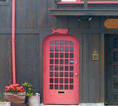 Red Doors, Windows And Doors, Grand Entrance, Abandoned Buildings, Doorway, Facades, Door Design, Beautiful Pictures, Entryway