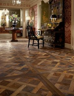 Antique French oak, pulled from actual wood flooring installed in French homes and farmhouses. From large country house boards to refined Parisian small planks. For Lounge or master