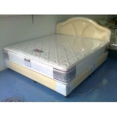 ร้านที่นอน อุ่นใจ เรามีโรงงานที่นอนที่มีหน้าร้าน http://www.aoonjaishop.com/