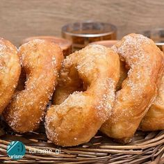 Brunyols o bunyols de Quaresma (doughnuts), yummy!  #Didyouknow that brunyols are typical in Lent and at Easter, but in Girona they are eaten all year round. Picture by @turisme_gi +INFO @somgastronomia  Catalonia European Region of Gastronomy 2016. #SomGastronomia +INFO www.somgastronomia.com