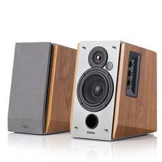 Odświeżony i minimalnie większy zestaw głośników 2.0 R1600TIII to doskonały wybór dla użytkowników, stawiających na zrównoważone brzmienie o wysokiej dynamice, które idą w parze z nieocenioną jakością wykonania.
