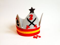 Birthday crown boy felt crown for boys by RedPepperHats on Etsy, €24.00
