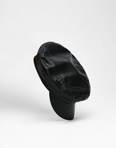 Czapka w marynarskim stylu ze sztucznej skóry