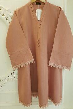 Pakistani Party Wear Dresses, Simple Pakistani Dresses, Pakistani Fashion Casual, Pakistani Dress Design, Shadi Dresses, Indian Dresses, Indian Fashion, Neck Designs For Suits, Sleeves Designs For Dresses