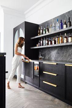 The Judd House Bar & Party Room - Signorino Home Bar Rooms, Home Bar Sets, Home Wet Bar, Bars For Home, Living Room Bar, Modern Bar, Modern Home Bar Designs, Wet Bar Designs, Basement Bar Designs