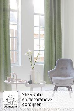 Wil je sfeer in je kamer? Kies dan voor gordijnen. Je hebt de keuze uit overgordijnen voor bijvoorbeeld de slaapkamer, vitrages voor iets meer privacy in je woonkamer, of in-betweens voor meer aankleding in je woon- of slaapkamer.   Met de vele kleuren en stoffen die wij in onze collectie hebben, is er voor iedereen een passend gordijn te vinden. En dat volledig op maat gemaakt! Curtains, Room, Health, Home Decor, Greenhouses, Raspberry, Bedroom, Blinds, Decoration Home
