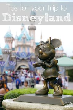 Planning your Disneyland trip! Here are tips that make our trip more fun with kids and what you should bring.from a Mom of 3 herself! Disneyland Tips, Disneyland California, Disney Tips, Disneyland Resort, Disney Food, Disney Parks, Southern California, Disney Magic, Walt Disney