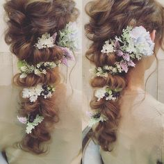 I need to find some fake flowers like these Bridal Hair Buns, Bridal Hairdo, Hairdo Wedding, Bridal Hair And Makeup, Party Hairstyles, Bride Hairstyles, Wedding Party Hair, Hair Arrange, Hair Setting