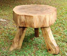 Baumscheibentisch aus Walnuss
