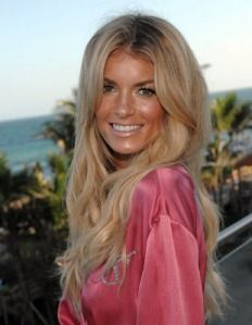Marisa Miller at event of The Victoria's Secret Fashion Show Marisa Miller, Modern Hairstyles, Pretty Hairstyles, Sports Illustrated, Best Beauty Tips, Beauty Hacks, Beauty Ideas, Blonde Hair Shades, Victoria's Secret