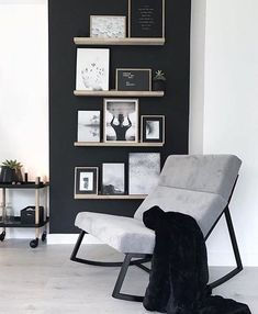 Gallery wall inspiration to help you say goodbye boring, and hello exciting! Living Room Interior, Home Living Room, Home Interior Design, Living Room Designs, Living Room Decor, Gray Living Room Walls, Interior Styling, Inspiration Wall, Living Room Inspiration