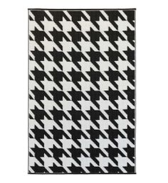 Houndstooth Rug - made from recycled plastic materials. Clean with sponge or hose.
