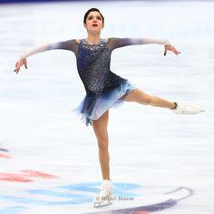 Evgenia Medvedeva Ice Dance Dresses, Figure Skating Dresses, Ballet Room, Russian Figure Skater, Figure Skating Costumes, Medvedeva, Ice Skaters, Ice Princess, Women Figure