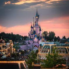 Sleeping Beauty Castle in Disneyland Paris DLP Disney Le Chateau de la Belle au bois dormant