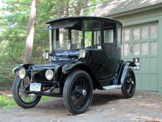 1914 Detroit Electric car, owned by famed GE scientist Charles Steinmetz, Schenectady, NY....restored and running...