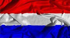 korte samenvatting; Nederland wou neutraal blijven. Nederland werd gebombardeerd in 1940 en ingenomen door de Duitsers. veel mensen zijn gesneuveld. met name joden. in 1945 is nederland weer bevrijd