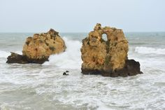 Zwiedzasz Algarve? Sprawdź co ma do zaoferowania Albufeira i jej plaże w pobliżu. Piękne zdjęcia, rzeczowe informacje i Twoje inspiracje na podróż!
