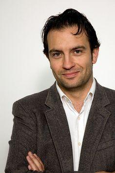jeroen spitzenberger   is een Nederlands toneel-, televisie- en filmacteur. Hij was te zien in verschillende producties, en had hoofdrollen in onder meer Lieve Lust, Alles is Liefde en de TV-serie Divorce. Geboren: 20 januari 1976