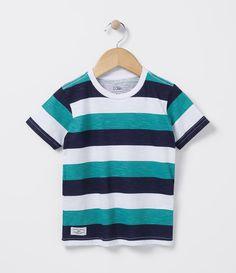 Camiseta infantil    Manga curta    Gola redonda    Listrada    Marca: Póim    Tecido: meia malha             COLEÇÃO INVERNO 2016             Veja outras opções de    camisetas infantis.                  Póim Menino     Sabemos que de 1 a 4 anos de idade, o que vale é o gosto da mamãe. E pensando nisso, a Lojas Renner, possui a marca Póim, com macacão, camisetas, camisas, calça jeans e muito mais outros produtos cheio de estilo, tudo com muita informação de moda e tendências para os…