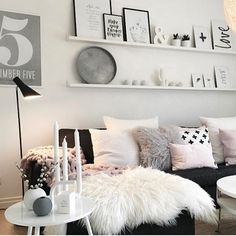 How gorgeous is this living room by the lovely @mykindoflike featuring our Icelandic sheepskin rug