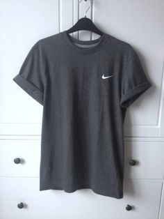 Wheretoget - Nike dark grey tee-shirt