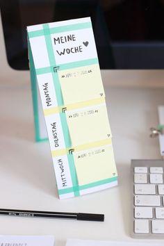 Aus diesen Pappstreifen kann man doch wunderbar und ganz einfach Memoboards und Tischkalender mit Post its machen!