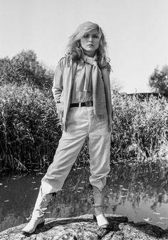 Lynn Goldsmith, Debbie Harry of Blondie, 1978 Blondie Debbie Harry, Debbie Harry Style, Lynn Goldsmith, Chica Punk, Rock And Roll Girl, Nostalgia, Iconic Women, Mode Vintage, Retro Vintage