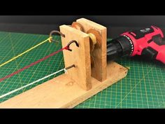 How to Make a Simple Rope making Machine Rope Crafts, Diy And Crafts, Rope Maker, Tree Arborist, How To Make Rope, Boat Stuff, Paracord Projects, Homemade Tools, Making Tools