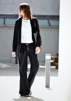 13 Bloggers With The Best Minimal Style via  WhoWhatWear Últimas  Tendencias 06ead5947