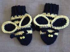 CROCHET PATTERN:  bumble bee, mittens, gloves, pattern, four sizes.  Love these!