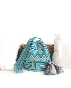 All shades of blue together remind me of the sea. Crochet Tote, Crochet Handbags, Crochet Purses, Tapestry Crochet Patterns, Crochet Dolls Free Patterns, Tapestry Bag, Tote Pattern, Knitted Bags, Shades
