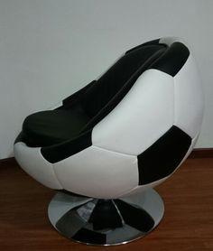 Sillas en forma de Balón de Fútbol.