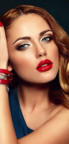 Classic red lip and neutral smoky eye