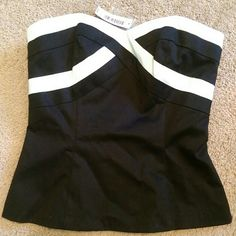 NWT strapless top Black and white strapless top with zipper in the back. Never worn. White House Black Market Tops